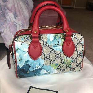 AUTH Gucci GG blooms mini bag
